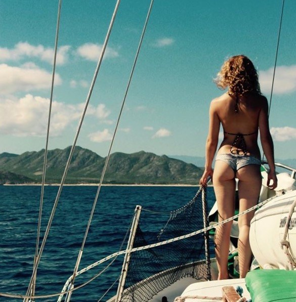 """If you shop at Minney's and tell them that """"LiveFree2Sailfast.com"""" sent you,,,your next sailing trip will look like this!  The End"""